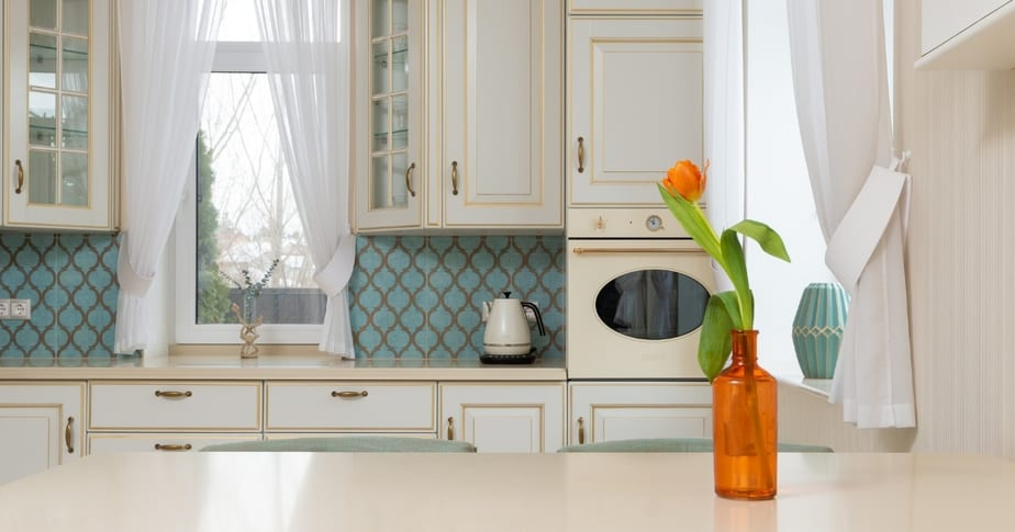 Ideas from the Pros: 11 Easy Ways to Add Color to Your Kitchen